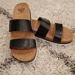 "Reef ""Cushion Bounce Vista Hi"" sandals - size 9"